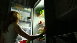 8 продуктов, которые лучше не класть в холодильник