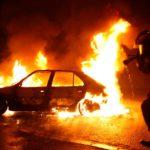 В Гатчине ищут поджигателя трех машин
