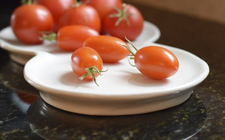 почему лучше не класть в холодильник помидоры