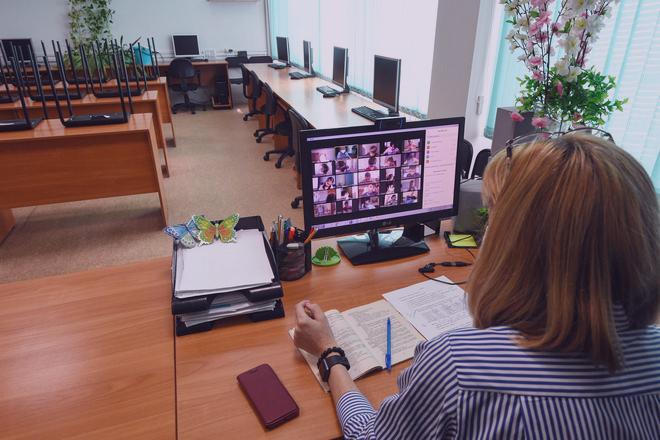 В Лен. области обсуждают переход школ на дистанционку