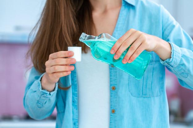 Ополаскиватель для полости рта это доступное средство профилактики коронавируса