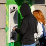 Лжесотрудник банка украл 50тысяч упенсионерки изГатчины